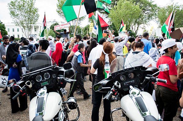 Wielotysięczna demonstracja propalestyńska przed Białym Domem
