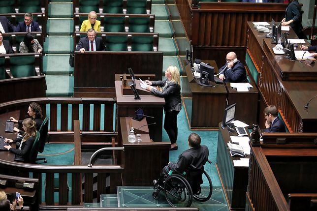 Debata w Sejmie na temat dwóch projektów ustaw autorstwa PiS