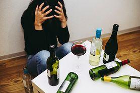 Alkoholik - objawy uzależnienia od alkoholu. Kiedy można rozpoznać alkoholizm? Rozwój zespołu abstynencyjnego i fazy choroby alkoholowej