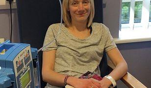 Młoda matka zmaga się z rakiem.