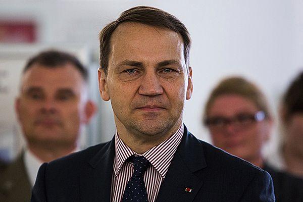 Radosław Sikorski jest pozamiatany