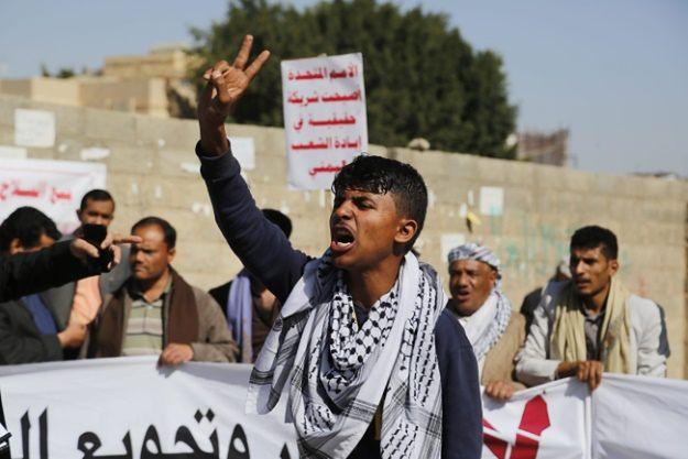 Koalicja kierowana przez Arabię Saudyjską ogłosiła koniec rozejmu w Jemenie