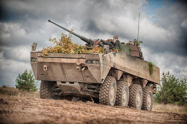 Polska uzbroi Słowację. Kupią od nas 30 transporterów opancerzonych Rosomak