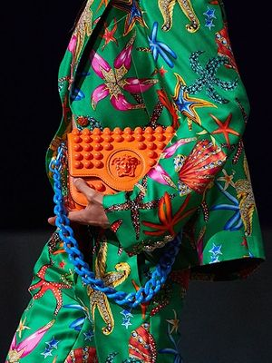 Modelki plus-size na pokazie Versace. To przełom!