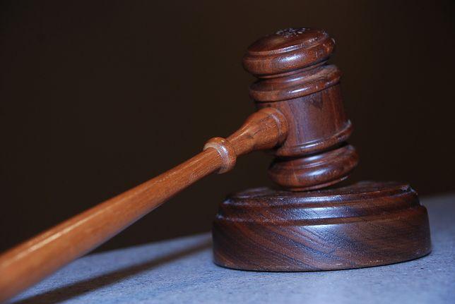 Pozew został złożony w ramach tzw. ustawy lutowej.