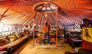 Podróżnik zamieszkał w jurcie, zamiast wyruszyć w trzynastą wyprawę dookoła świata