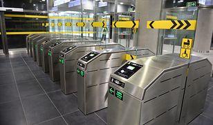Metro Warszawskie. Bramki II linii będą dostosowane do biletów z kodem QR