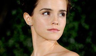 LOOK OF THE DAY: Emma Watson w sukience z odkrytymi ramionami
