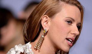 Piękna spotyka bestię. Scarlett Johansson i Adam Pearson
