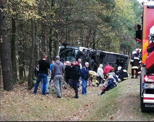 Tragiczny wypadek pod Ostrołęką. Jedna osoba nie żyje. Wzrosła liczba rannych
