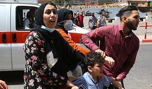 W Strefie Gazy runął 12-piętrowy budynek. Alarmy rakietowe w Tel Awiwie
