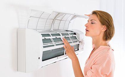 PIP apeluje do firm o czyszczenie klimatyzacji w pracy