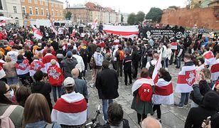 Warszawa. Solidarni z Białorusią. Protest na pl. Zamkowym