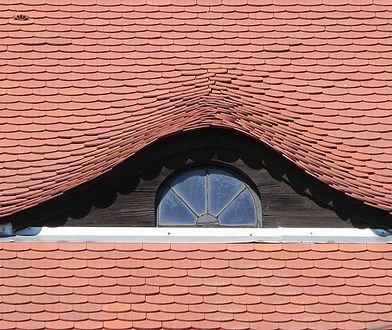 Karpiówki, marsylki, holenderki – jaką wybrać dachówkę