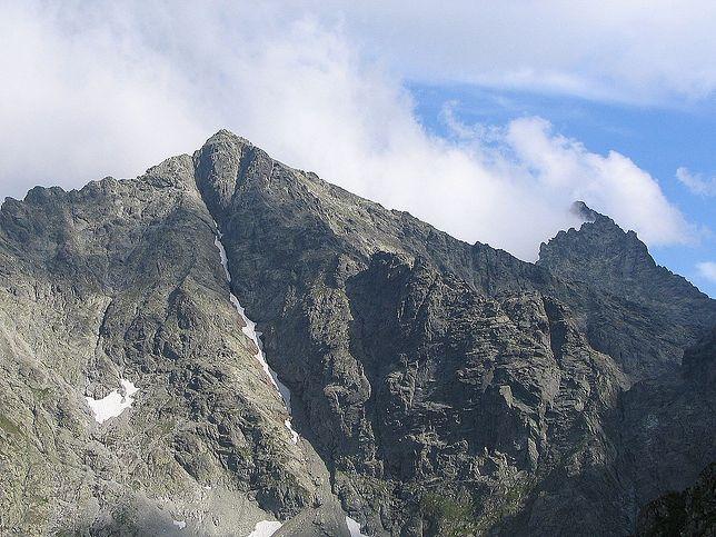 Pogoda zwiastuje zimę. Tatry pokryły się pierwszą warstwą śniegu. TOPR ostrzega przed oblodzeniem