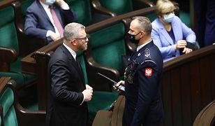 Grzegorz Braun ukarany w Sejmie. Powodem brak maseczki