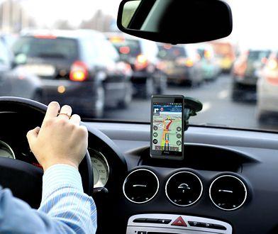 Dobra nawigacja samochodowa nie powinna zanadto absorbować uwagi kierowcy w czasie jazdy