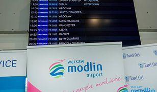 Lotnisko w Modlinie sparaliżowane przez mgłę