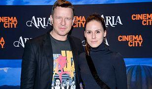 Wojciech Błach ze śliczną żoną na ściance