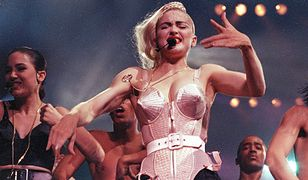 "Madonna podczas trasy ""Blond Ambition Tour"""