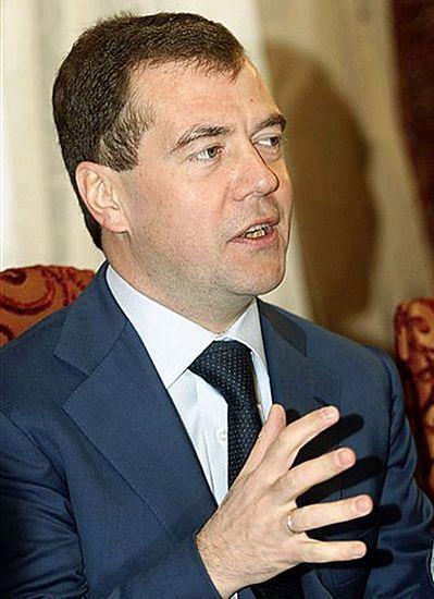 Miedwiediew: Gazociąg Północny to projekt polityczny