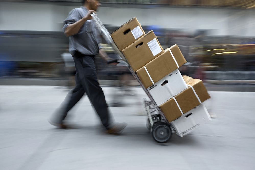 Kupujący w internecie mają lepiej: sklep nie może odmówić przyjęcia zwrotu, nawet jeśli towar jest uszkodzony