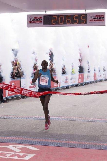 Tola Tadesse z Etiopii zwyciezcą Orlen Warsaw Marathon
