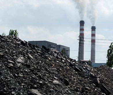 Koronawirus w Polsce. Kopalnie w Katowicach i Rybniku spowalniają prace. 700 górników na kwarantannie.