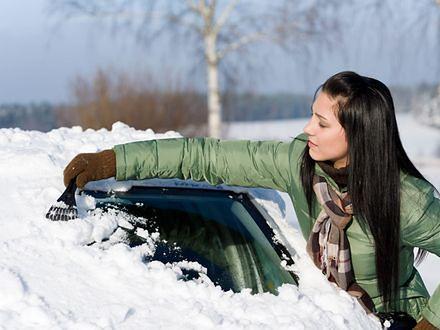 Jak jeździć ekologicznie i ekonomicznie zimą?