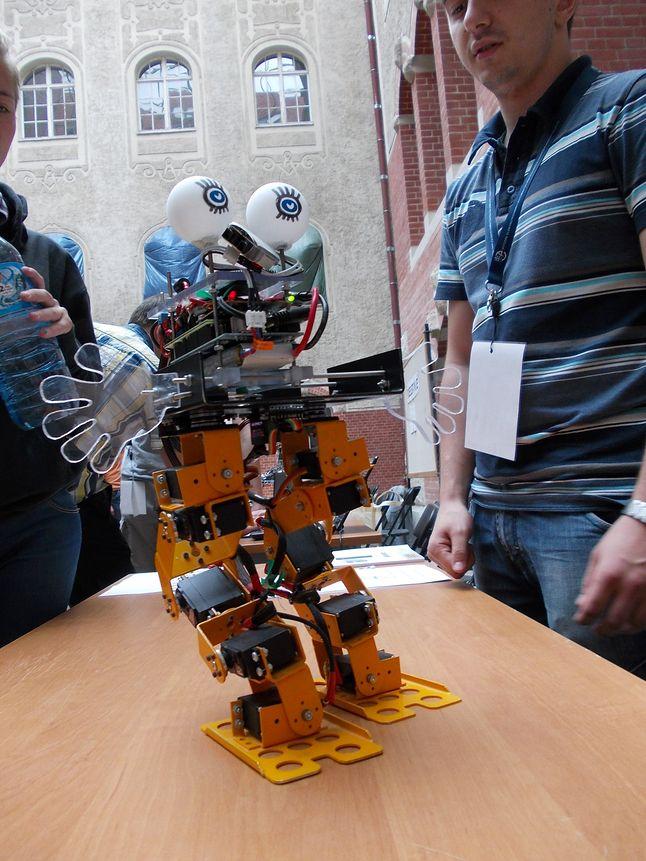 Robot Arbito