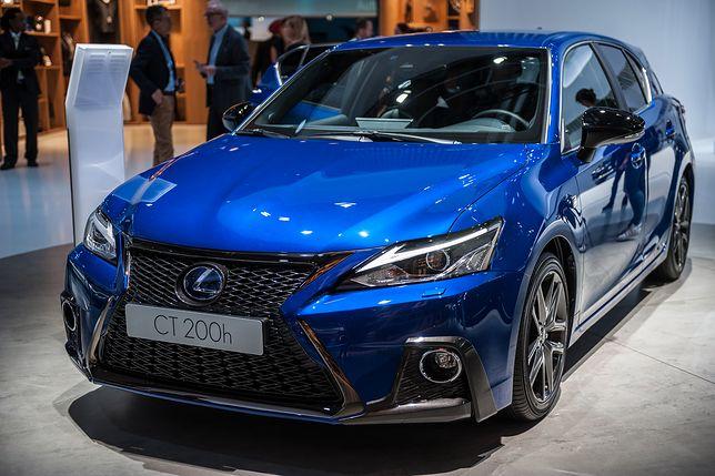Lexus CT 200h przeszedł modernizację. 300 tys. klientów nie może się mylić