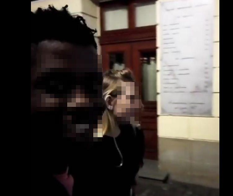 Czarnoskóry podrywa młodą Polkę i wrzuca do sieci nagranie. Internauci nie mają litości