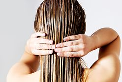 Nawilżająca płukanka do włosów. Zrobisz ją z kwiatów lipy