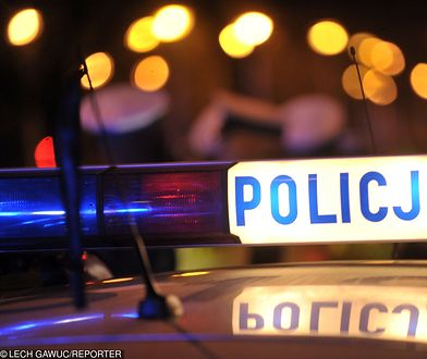 Kraków: policja wie, kto odpalił race w Galerii Krakowskiej. To byli kibice
