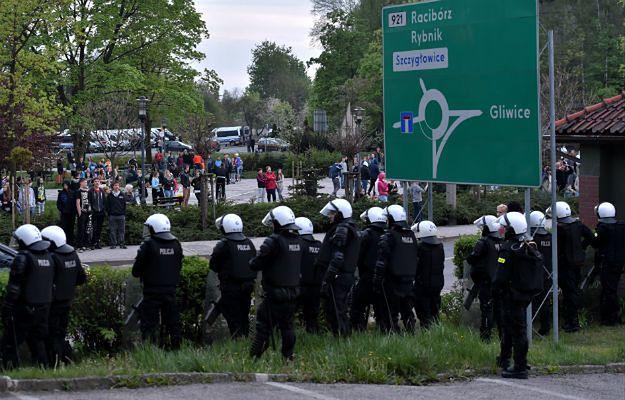 30 zatrzymanych po nocnych zamieszkach w Knurowie