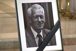 Trwają uroczystości pogrzebowe Kornela Morawieckiego. Zostanie pochowany na Wojskowych Powązkach