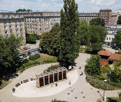 Plac Hallera z tężnią solankową
