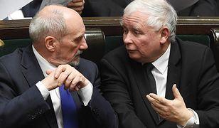 Antoni Macierewicz i Jarosław Kaczyński - ich relacje, te polityczne i osobiste, pełne są zakrętów