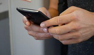 Smartfon wykryje koronawirusa? Trwają prace nad nową technologią