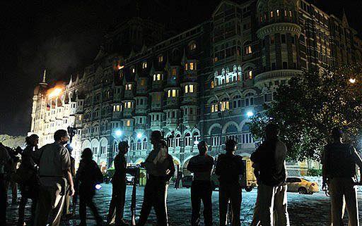 Policja zabiła terrorystów w hotelu Taj Mahal