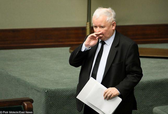 Prezes PiS podczas sejmowej debaty na temat ceny prądu.