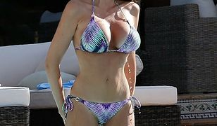 Tamara Ecclestone - córka miliardera kusi w bikini...