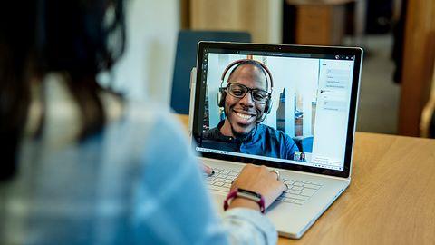 Transkrypcja w Microsoft Teams to koniec chodzenia na nudne spotkania