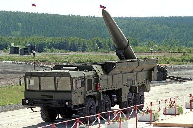 Iskander-M to system rakiet taktycznych, których zasięg wynosi 500-700 km.