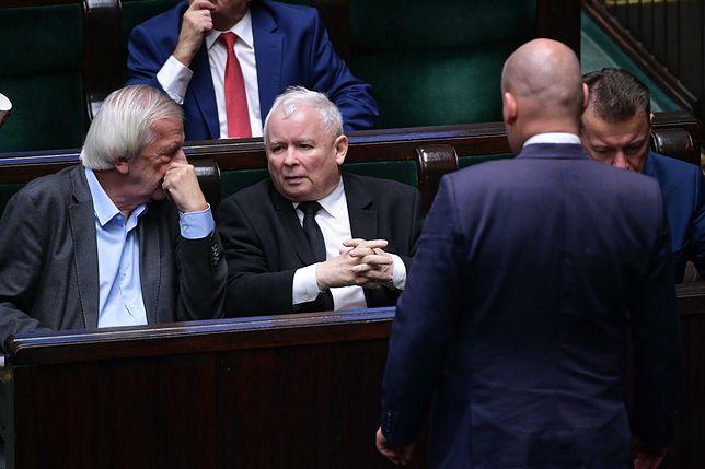 """""""Polityczna twórczość Jarosława Kaczyńskiego powoduje, że Polska znajduje się na marginesie UE"""" - czytamy"""