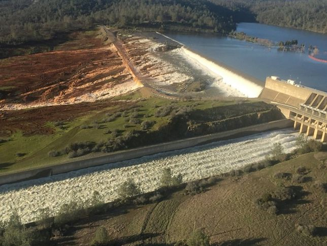Odwołano nakaz ewakuacji dla mieszkających poniżej zapory w Kalifornii