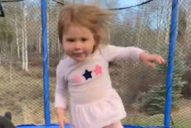 """Weszła na trampolinę z Rottweilerem. To nagranie """"zrobi wam dzień"""""""