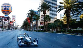 Formuła E - bilety już w sprzedaży. Czy elektryczna wersja F1 przyciągnie fanów wyścigów?