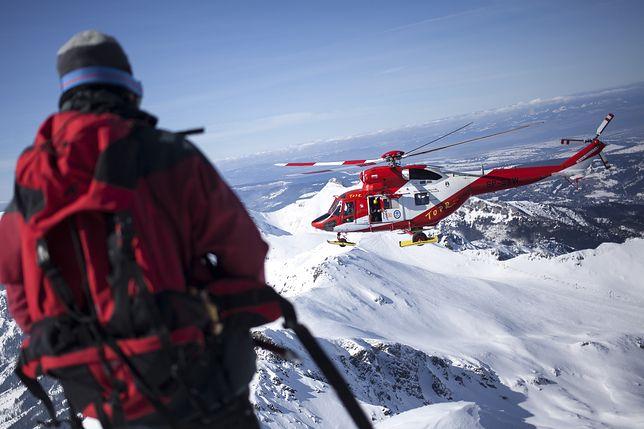 Niebezpieczne zdarzenie w Tatrach. Turysta spadł kilkaset metrów z Rysów