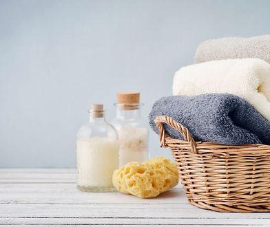 Kilka trików sprawi, że ręczniki zawsze będą puszyste